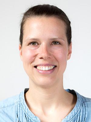 Eva Rühl ist Homöopathin, Physiotherapeutin und Yoga-Lehrerin in der Praxis biomedi in Oberursel
