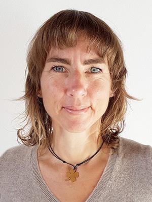 Jutta Köhler ist Physiotherapeutin und Osteopathin in der Praxis biomedi in Oberursel